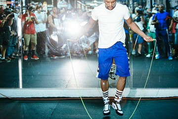 floyd-mayweather-jumping-rope